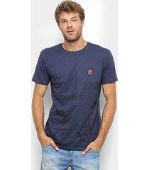 camiseta hang loose estampada flor masculina