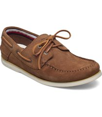 classic suede boatshoe båtskor skor brun tommy hilfiger
