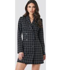 na-kd classic big check blazer dress - black