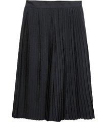 vince. 3/4-length shorts