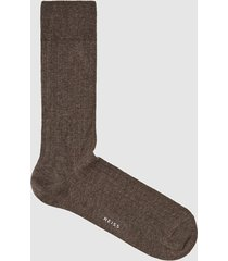 reiss fela - ribbed socks in taupe, mens