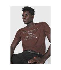 camiseta forum lettering marrom