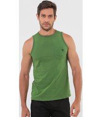 regata guess bolso verde - verde - masculino - algodã£o - dafiti