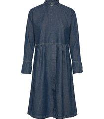 light indigo dupina knälång klänning blå mads nørgaard