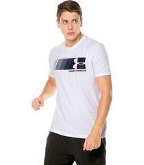 camiseta blanco under armour fast left chest