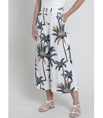 calça feminina pantacourt estampada de coqueiros com linho off white