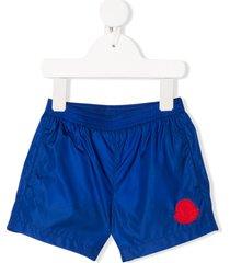 moncler enfant nylon logo swim shorts - blue