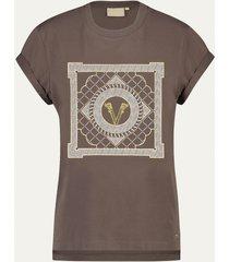 josh v dora multi print v t-shirt