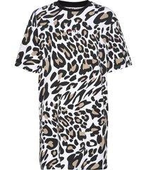 women elle aop tee dress dresses t-shirt dresses multi/mönstrad fila