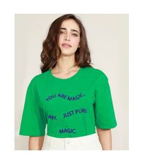 "t-shirt feminina mindset oversized you are magic"" flocada manga curta decote redondo verde"""