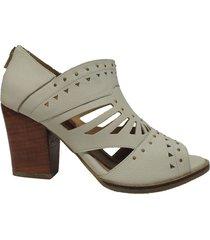 sandalias en cuero color blanco