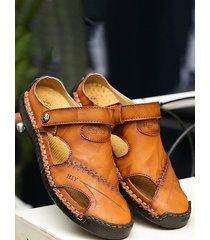 sandalias de cuero con punta cerrada suaves al aire libre con costura a mano para hombres