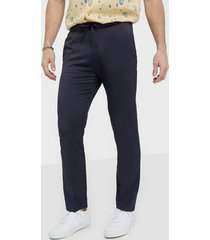 whyred young byxor navy