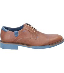 zapato tostado guante pulso