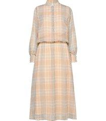 dress long sleeved in check print knälång klänning beige coster copenhagen