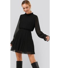 na-kd pleated elastic waist dress - black