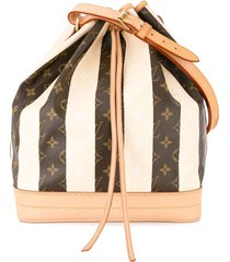 louis vuitton pre-owned noe drawstring monogram shoulder bag - brown