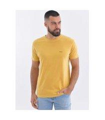 camiseta osklen stone sonus mostarda