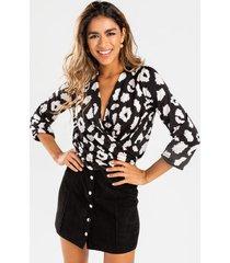 della leopard surplice back tie blouse - black