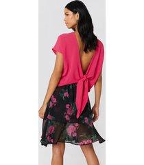 rut&circle back knot blouse - pink