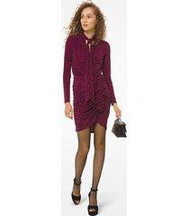 mk abito in jersey opaco di pregiata viscosa con stampa leopardata e colletto con nastro - berry - michael kors