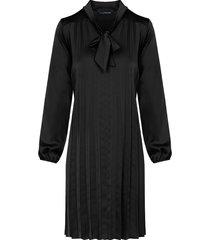 zijde plisse jurk zwart