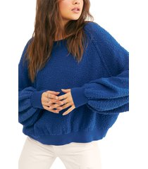 women's free people found my friend boucle pullover, size large - blue