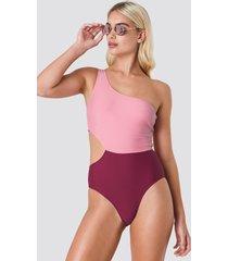 na-kd swimwear one shoulder block swimsuit - pink