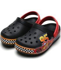 babuche crocs infantil pixar cars preta