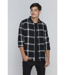 camisa negra rever pass cuadrille new york