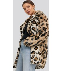 na-kd trend leo faux fur jacket - multicolor