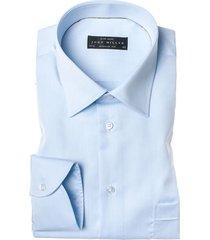 john miller heren overhemd licht semi spread poplin modern fit borstzakje blauw