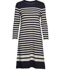 d1. striped shift dress knälång klänning blå gant