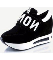 scarpe a dondolo con velcro