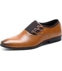 uomo scarpe formali in pelle a punta in colore abbinato da business