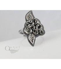 bukiet różyczek - srebrny pierścionek