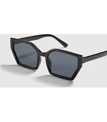 lane bryant women's black geo cateye sunglasses onesz black