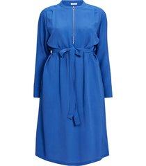 rak midiklänning med dragkedja och lång ärm