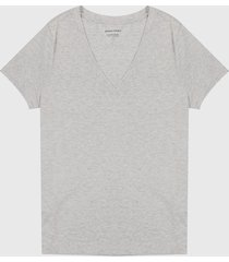 camiseta gris claro banana republic