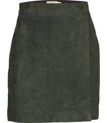 sierra suede kort kjol grön whyred