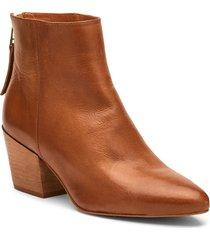 women's matisse croft pointed toe bootie, size 10 m - brown