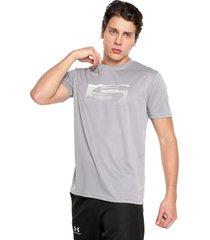 camiseta gris claro skechers