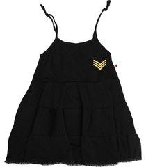 vestido negro cante pido texturas capitán