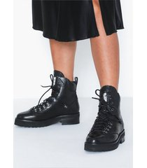 bronx bx 1607 bgamlettx flat boots