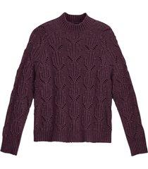 grovstickad tröja med hög halsringning och hålmönster