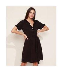 vestido chemise feminino curto amplo com faixa para amarrar manga curta preto