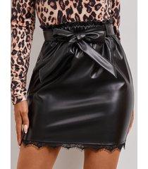 yoins negro cinturón falda de piel sintética con diseño bowknot