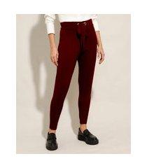 calça carrot de tricô com amarração cintura média vermelho escuro