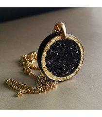 okrągły czarno-złoty naszyjnik