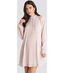 na-kd mini pleated dress - pink